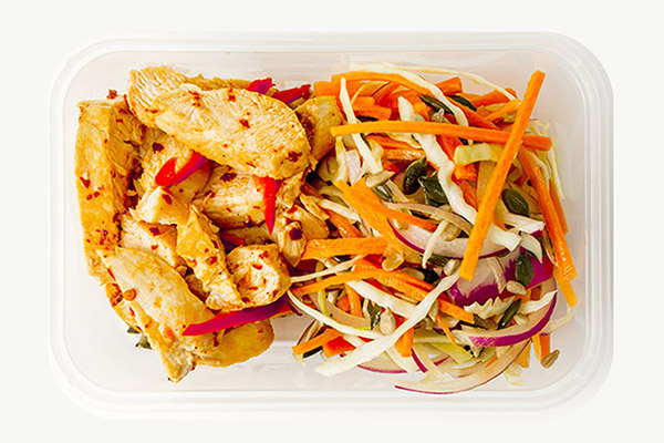 Chilli & Ginger Chicken Served With Slaw - 450